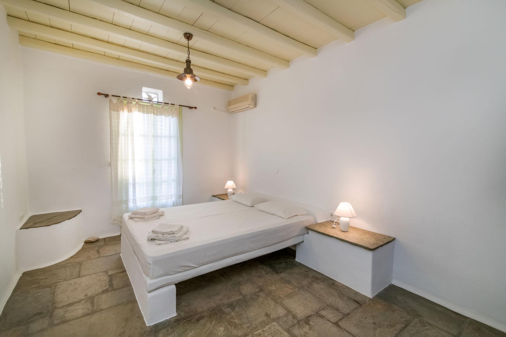 Tinos Hotels Capari