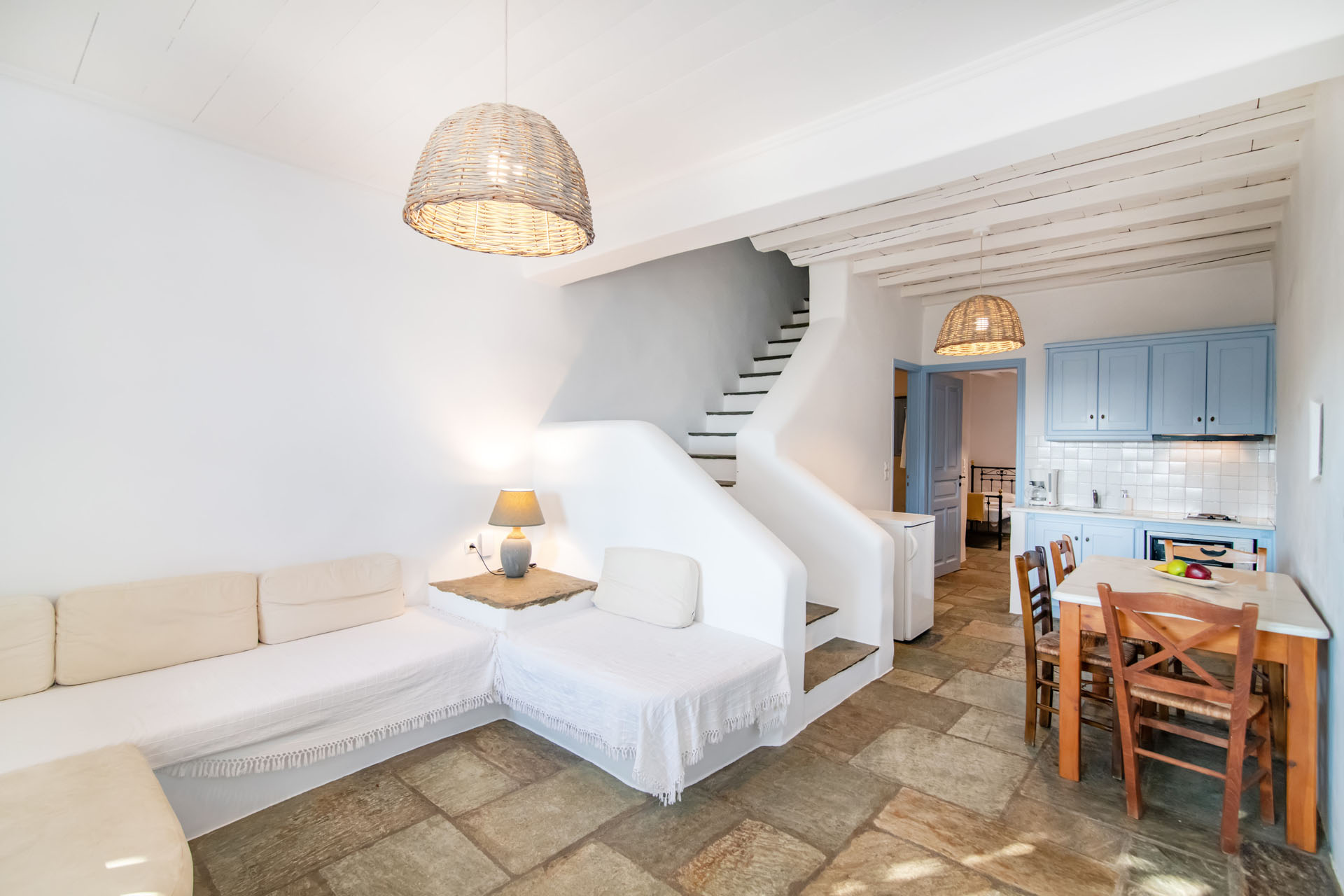 Tinos Hotels Throubi